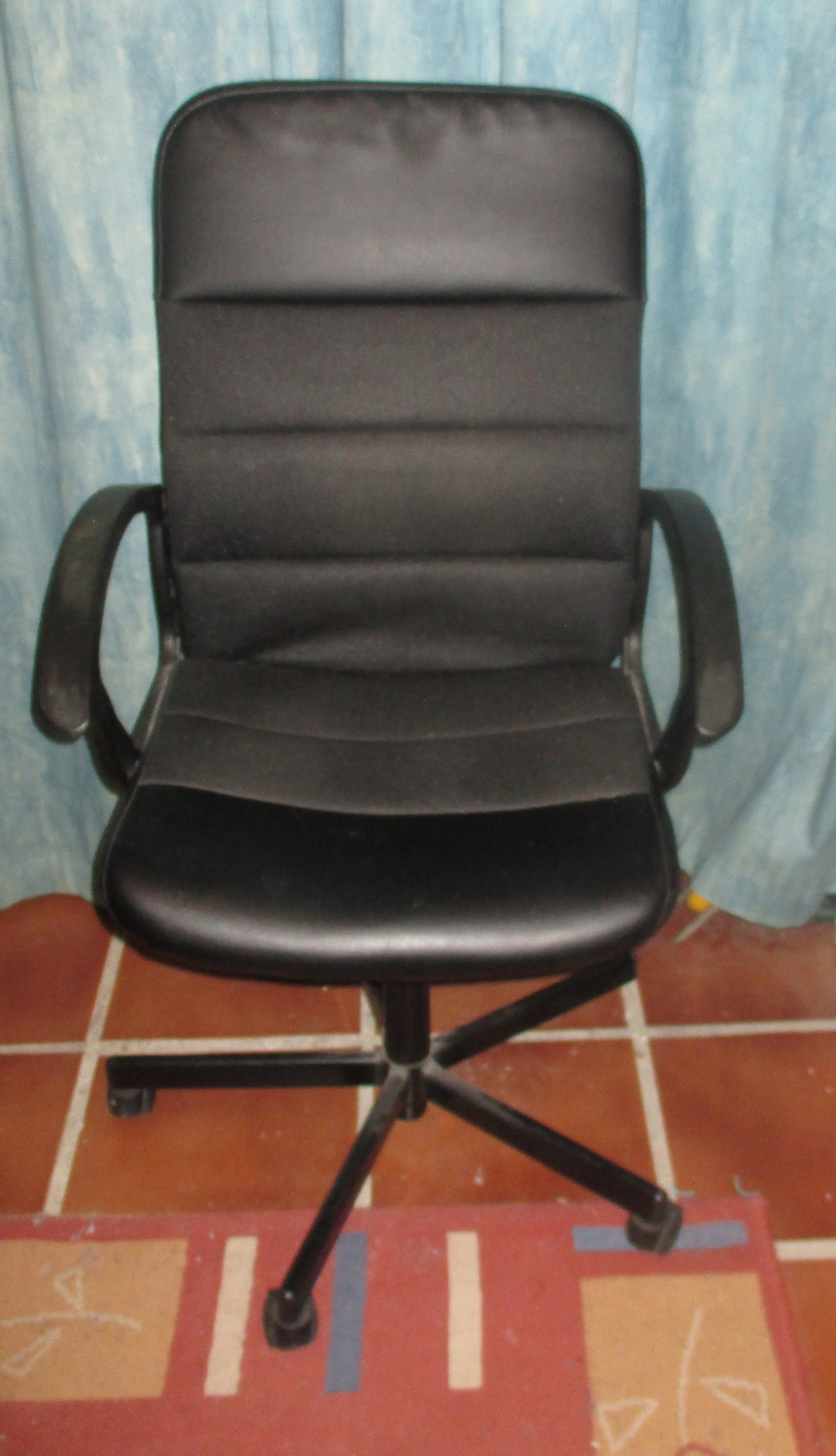 For sale: Swivel Chair - Buy and sell items in Mojacar