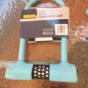 For sale: NEW BLUE BIKE LOCK - €15