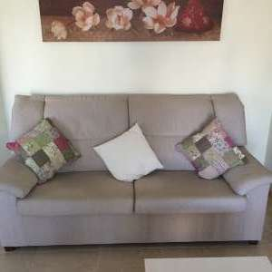 For sale: 3 seater settee and single matching chair