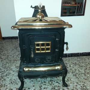 For sale: Wood Burning Stove - €200