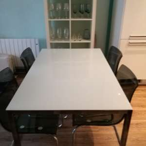 For sale: Dining table + chairs - €175