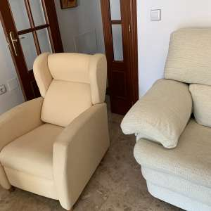 For sale: Settee and 2 chairs - €100