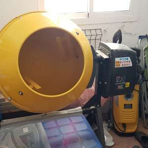 For sale: Yamato cement mixer - €190