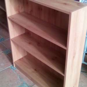 For sale: Bookcase - €10
